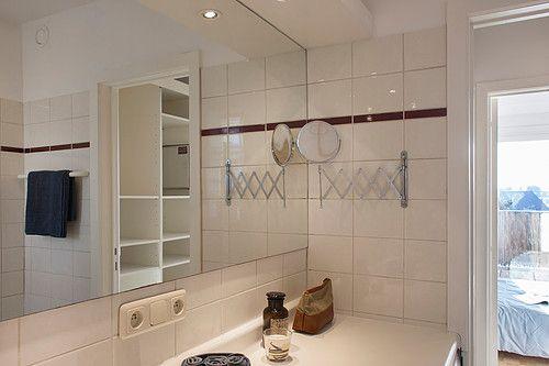 Badkamer met LED-verlichting en BOSCH was/droogkast-combinatie ...