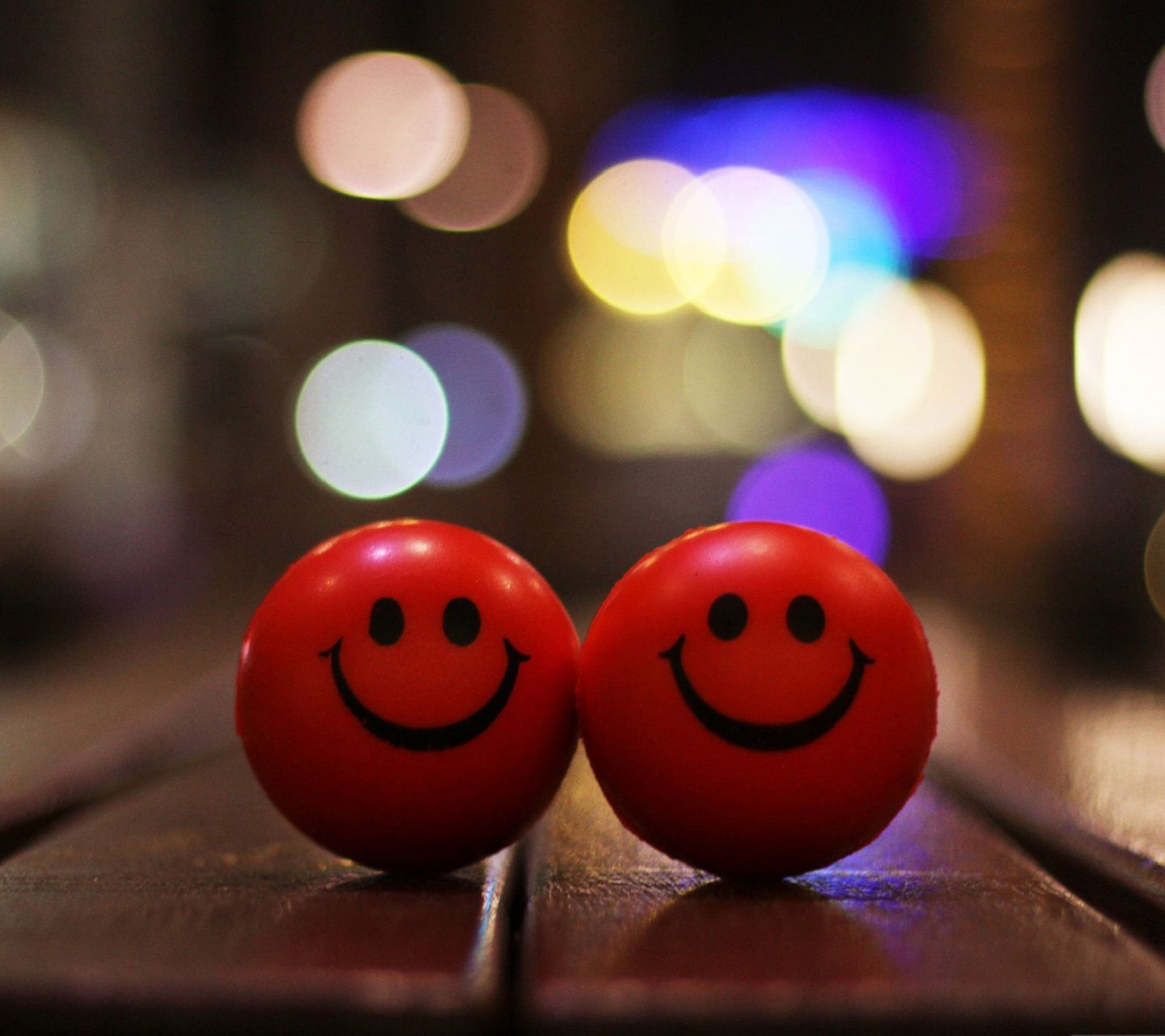 Cool Smiley Wallpapers For Mobile Phones Smiley Symbol News To Go