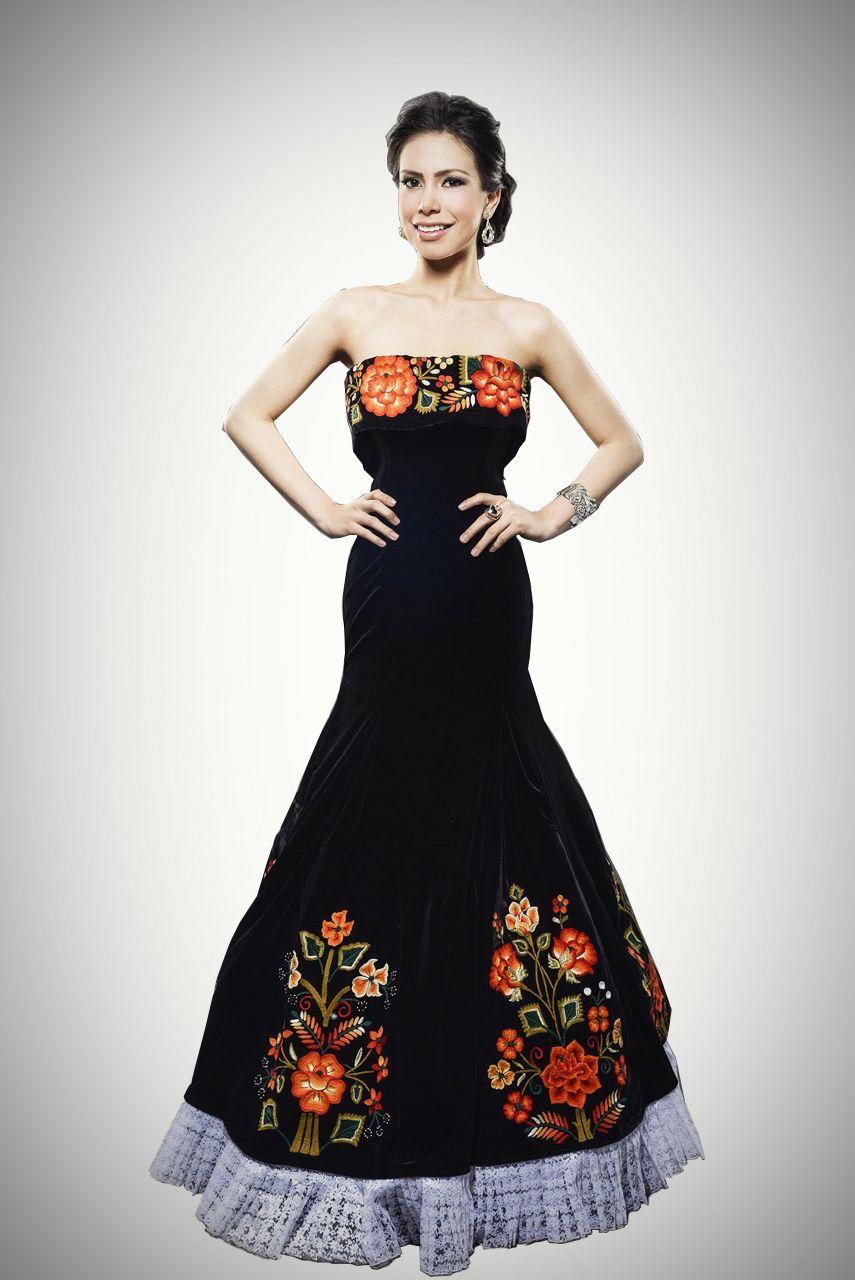 Vestido de gala negro, bordado por manos tehuanas. #embroidereddress ...