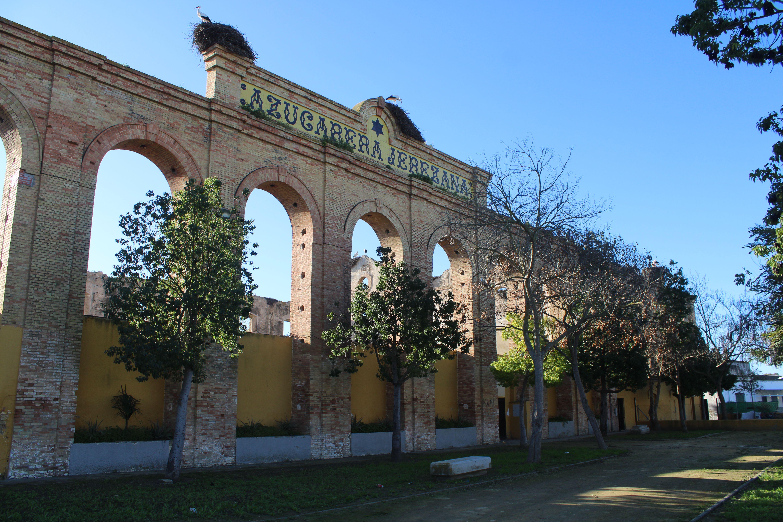 fachada principal de la azucarera jerezana