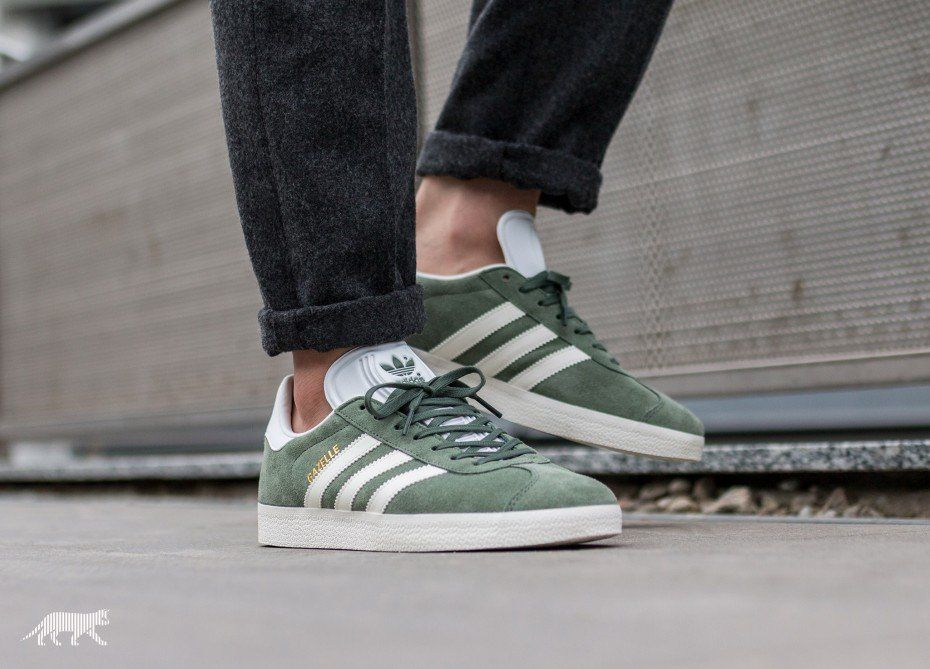 new styles 49a21 add9c adidas Gazelle (Trace Green  Off White  Ftwr White)
