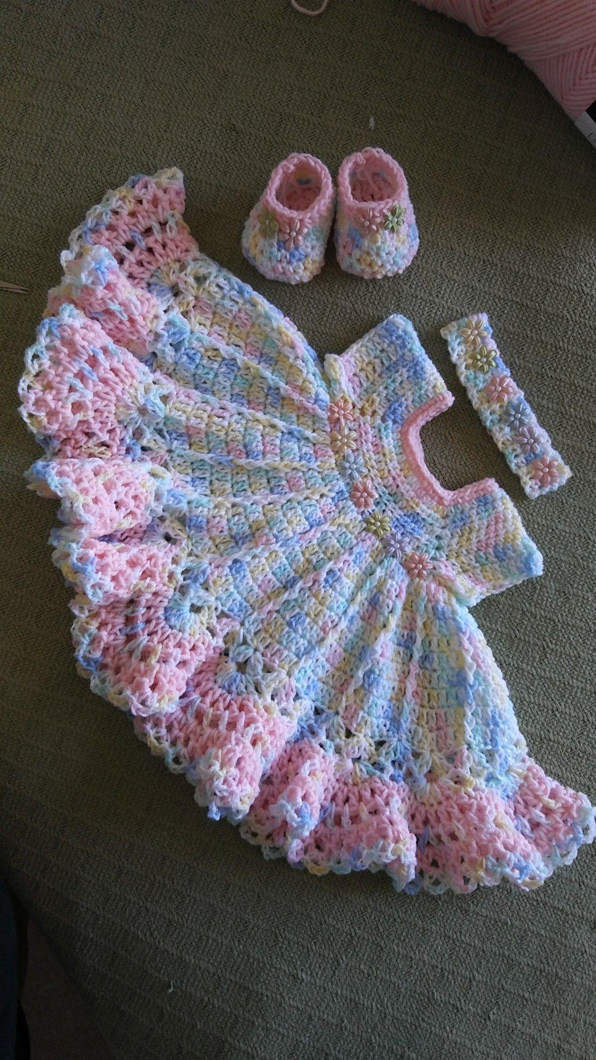 Pin von Norma Varela auf Bebé | Pinterest | Babykleider, Stricken ...