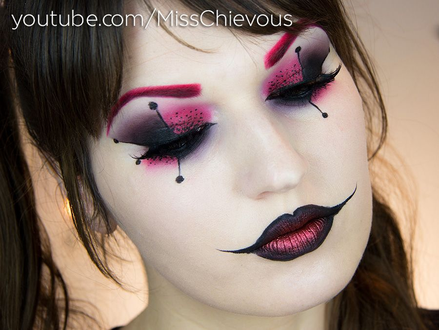 Harley Quinn make,up by MissChievous. I have seen this tutorial on YouTube.  Idée HalloweenMaquillage