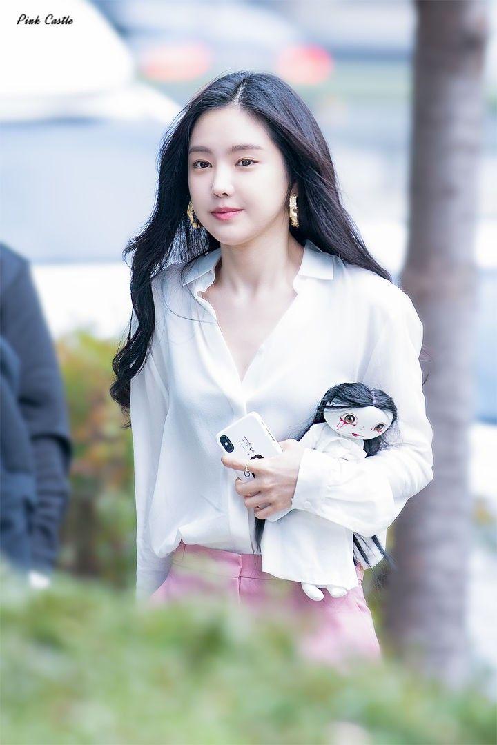 Son Na Eun Apink 181111 | Wanita, Korea