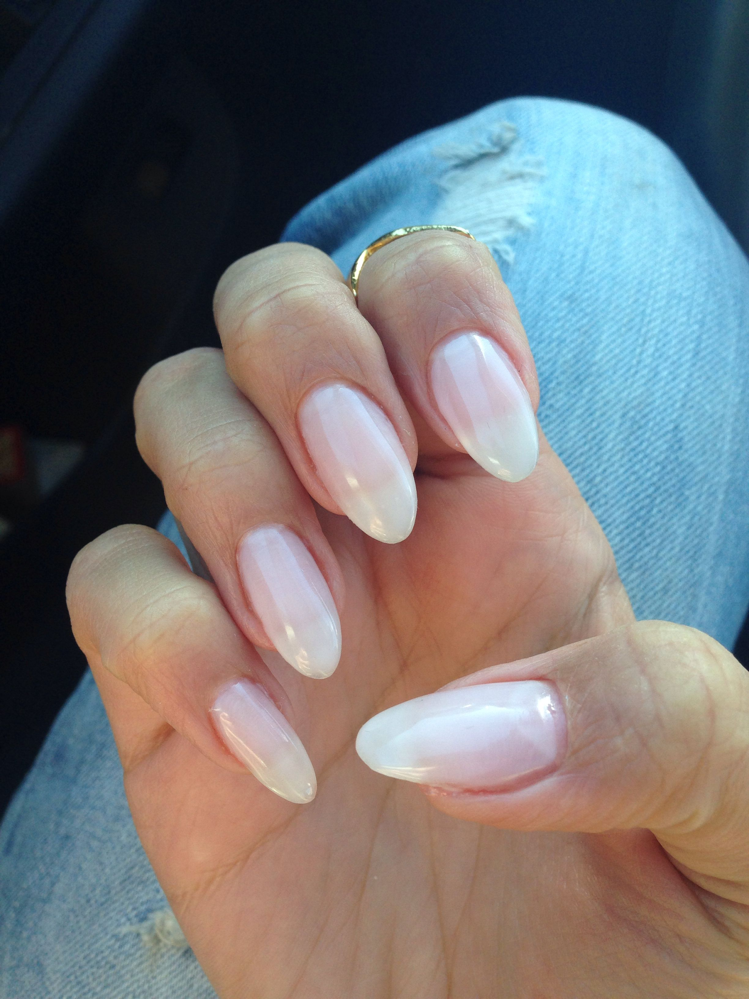 Natural looking gel almond nails | Neutral nails