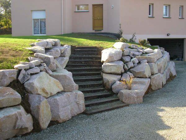 en poutre avec enrochement l 39 art des escaliers de jardins pinterest terrassement. Black Bedroom Furniture Sets. Home Design Ideas