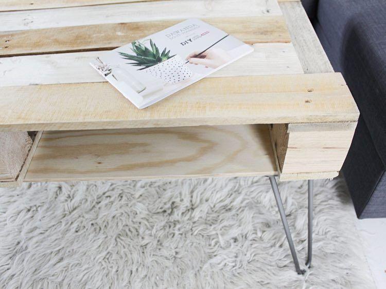 DIY-Anleitung: Couchtisch aus Paletten mit Hairpins bauen via ...
