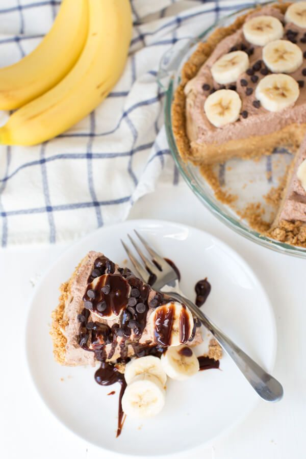 Chocolate Peanut Butter Banana Pie #bananapie