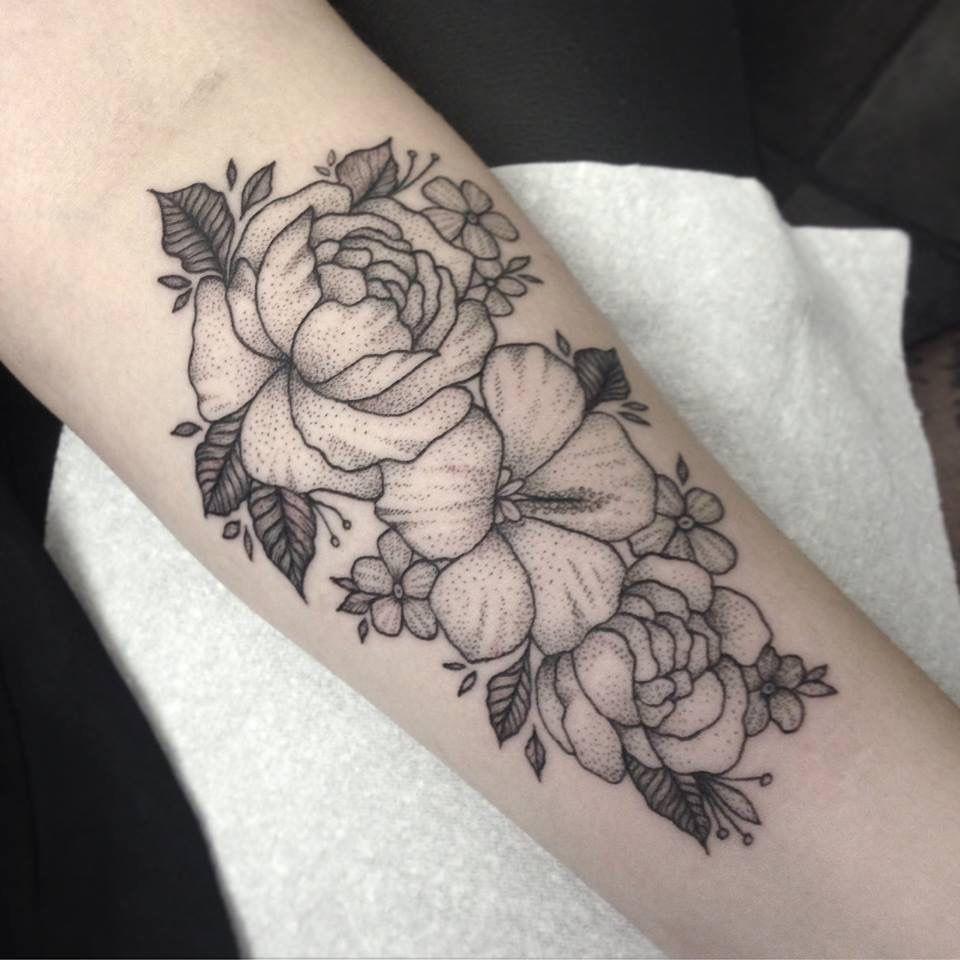 Flowers Tattoo by Medusa Lou Tattoo Artist -  medusaloux@outlook.com