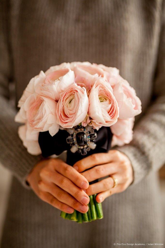 Zita Elze Design Academy Jisoo Park bridal bouquet created during the wedding design master class with Zita photo Julian Winslow