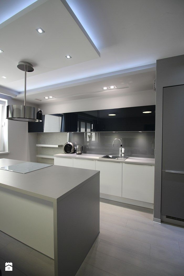 Awesome Two tone Kitchen Designs