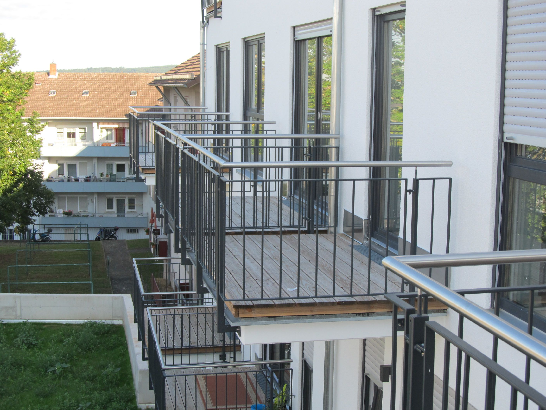 Jedes Apartment besitzt einen Balkon. Aschaffenburg