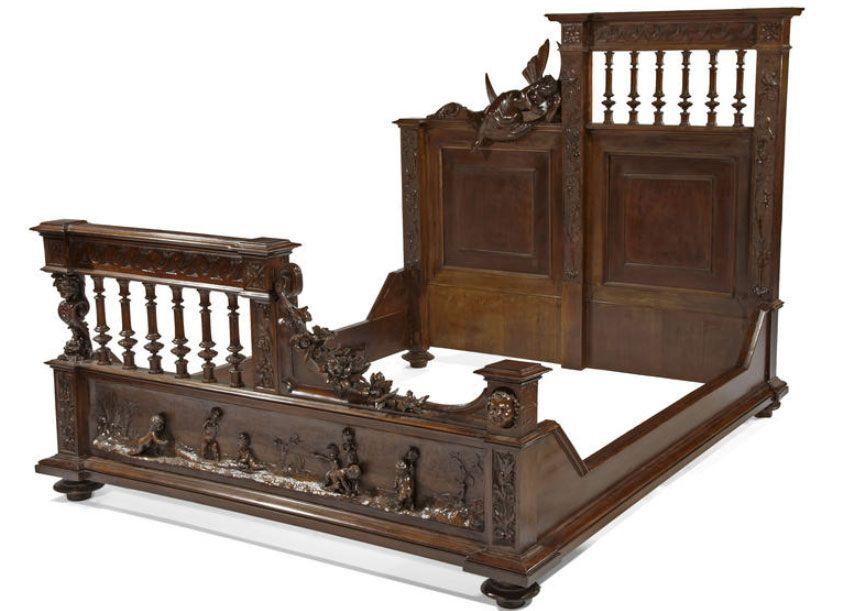 Antiquariato: mobili europei, letto intagliato in noce stile ...