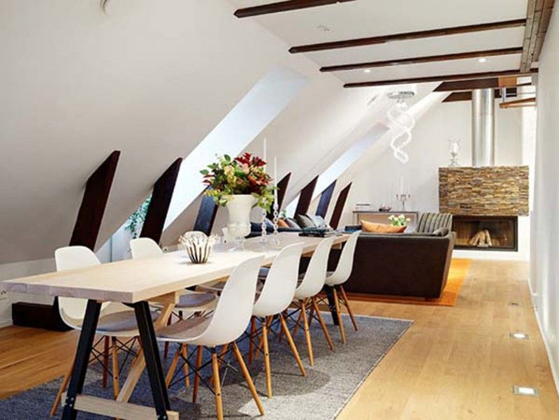 Small Loft With Efficient Placement Of Furniture Large Dining Table Small Apartment Design Small Space Interior Design Small Apartment Living Room
