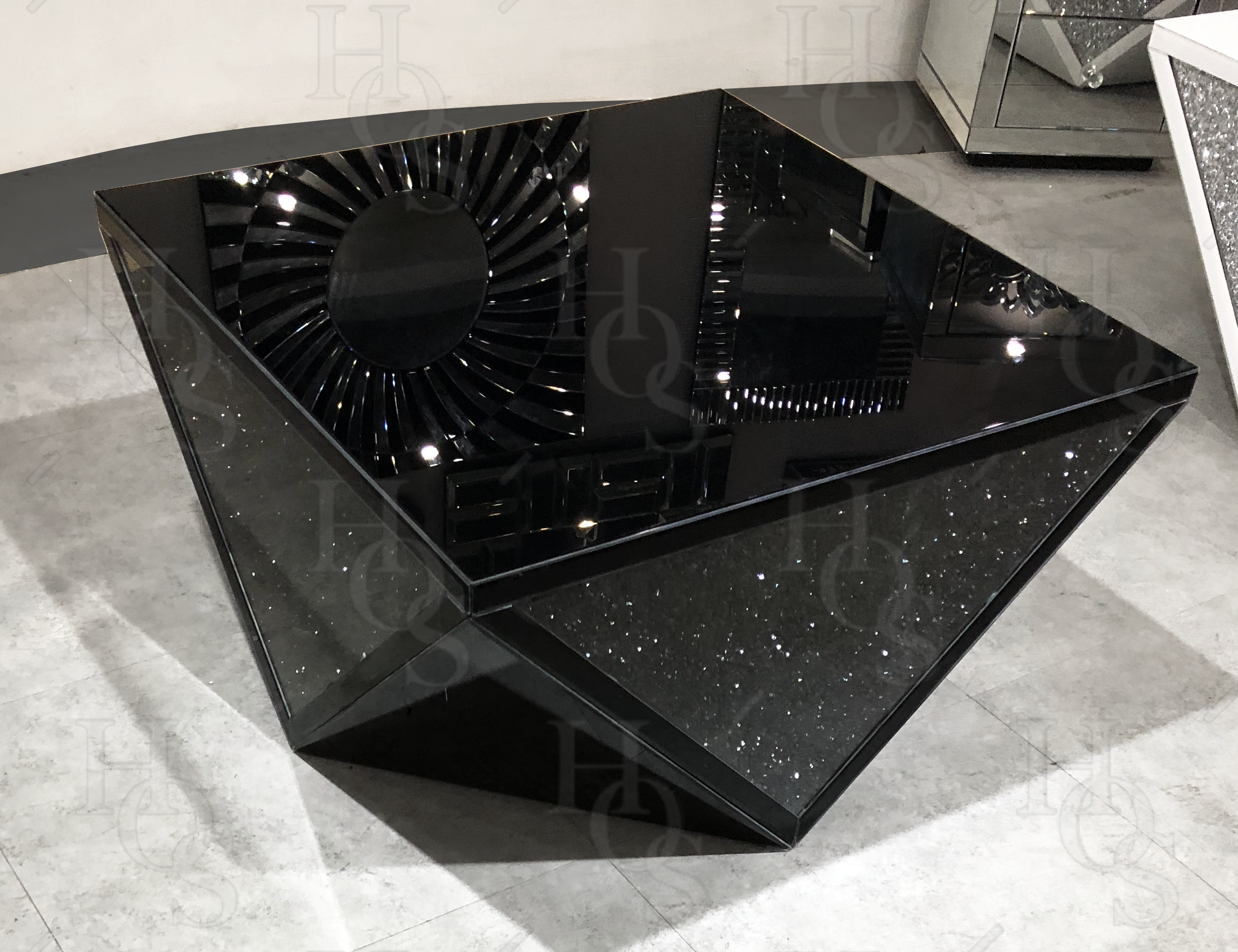 Black Mirror Crush Exclusive Coffee Table Mirrored Furniture Sparkle Diamond House Of Spa Decor Interior Design Mirrored Furniture Decor Luxury Furniture [ 1962 x 2552 Pixel ]