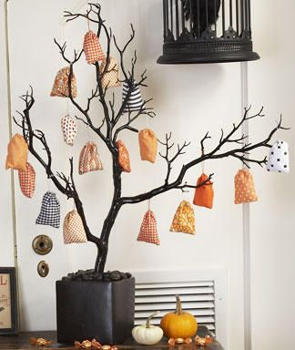 Halloween Tree with goody bag ornaments - a centerpiece that doesn't look like junk.
