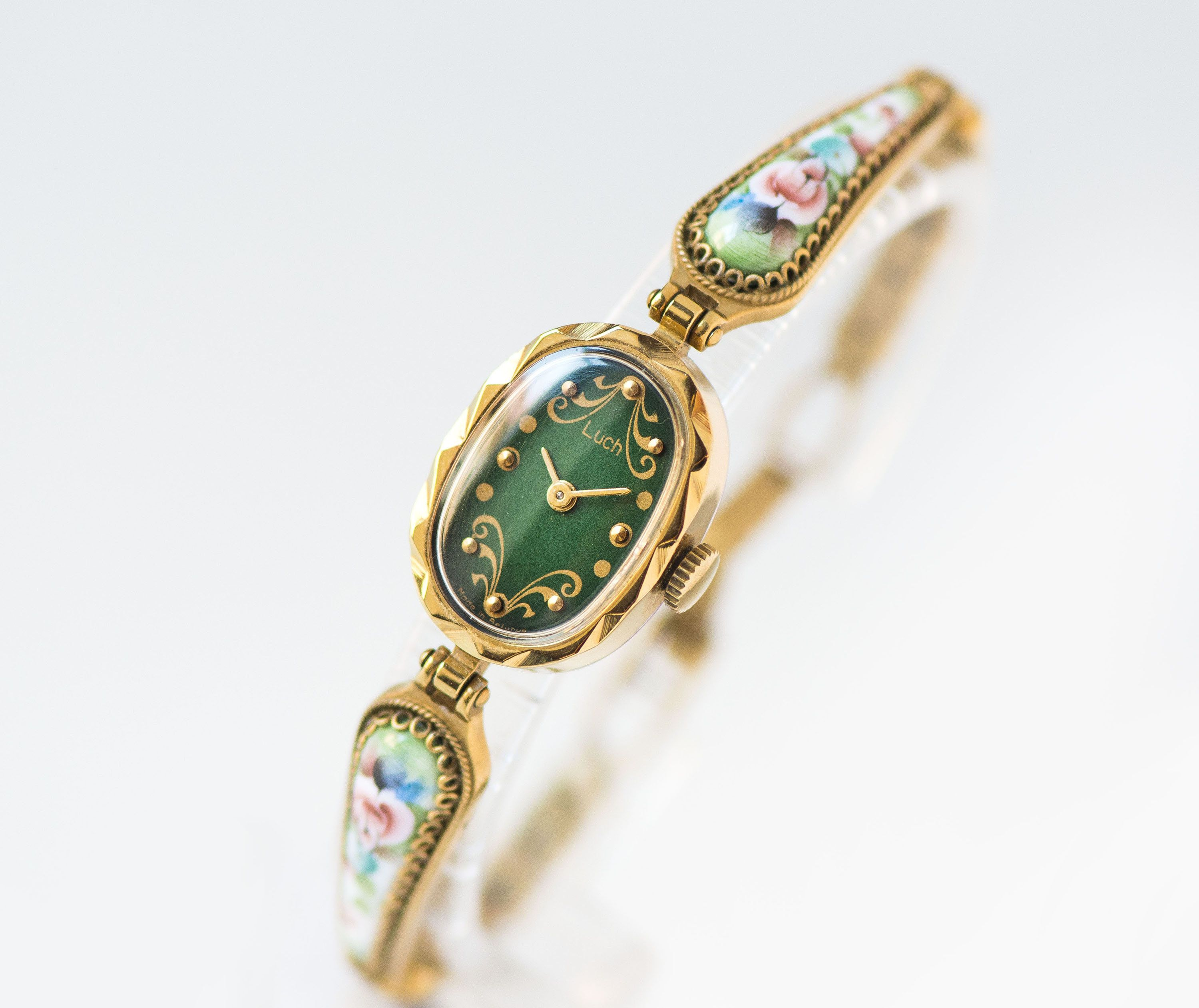 Forest green women's watch flowers bracelet, oval watch for women Ray, gold  shade filigree bracelet lady watch g…   Flower watch, Women wrist watch,  Fashion watches