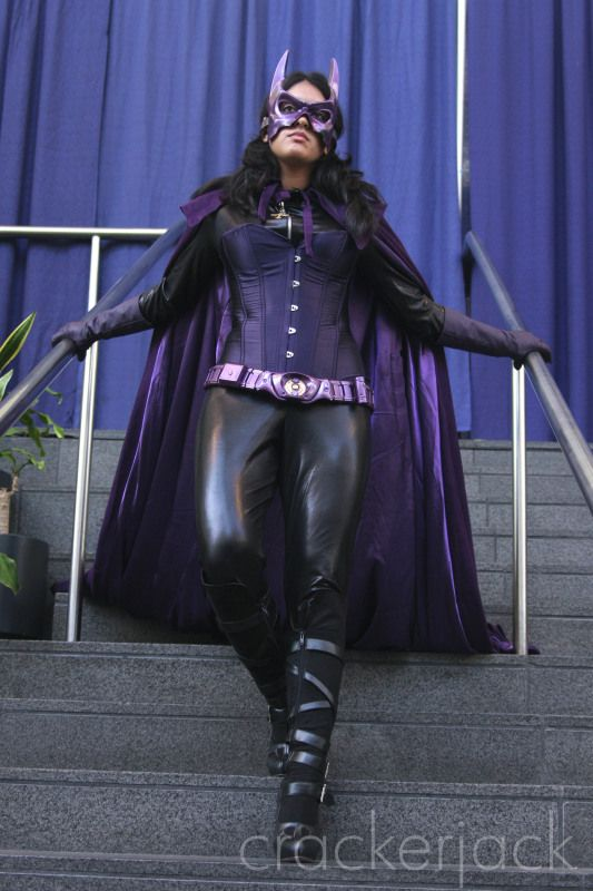 Huntress From The Bay Area Birds Of Prey Costume Group Huntress Halloween Design Birds Of Prey