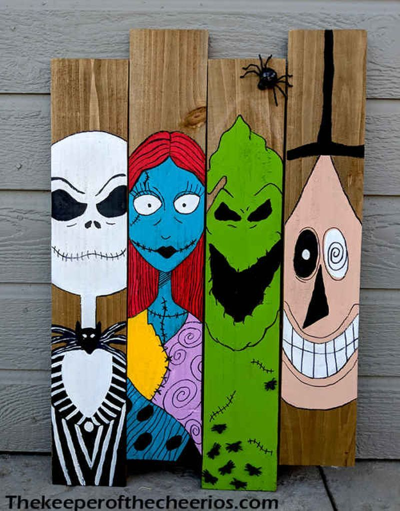 20+ Pallet Wood Halloween Decoration Ideas for Indoor & Outdoors