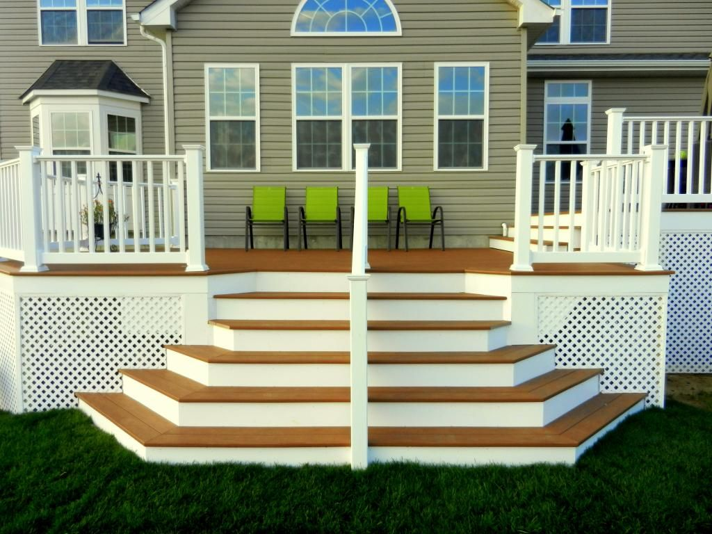 Best This Is An Awesome Deck For Out Back Rail Down Middle Of 640 x 480