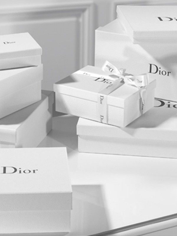 Sleek and elegant packaging one simple sheet of tissue paper with - packing slip