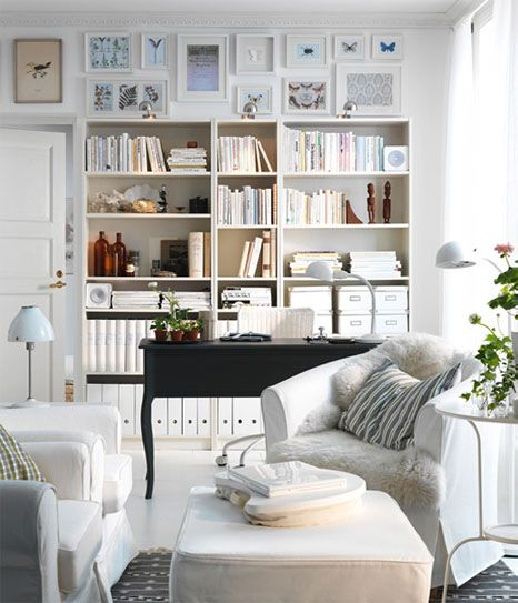 This looks like my dream little reading room haha ) Dream House