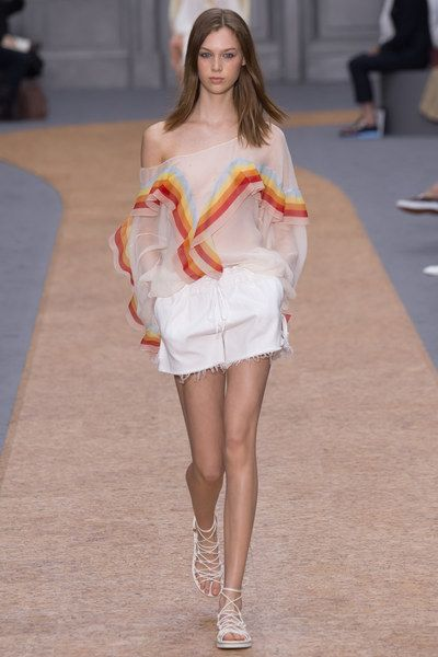 77075f4f0 Chloé Spring 2016 Ready-to-Wear Fashion Show | Shirts & top & blouse ...