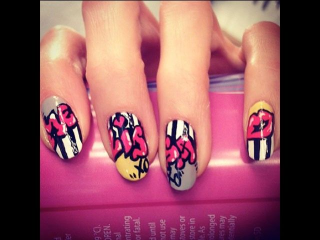 """Naomi Yasuda did this awesome graffiti look for her """"favorite hand model."""" #nails"""
