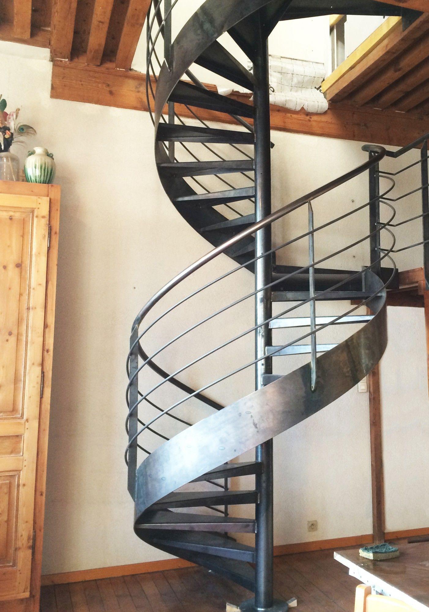 Barriere Escalier En Colimaçon escalier en métal en colimaçon pas cher à lyon | escalier
