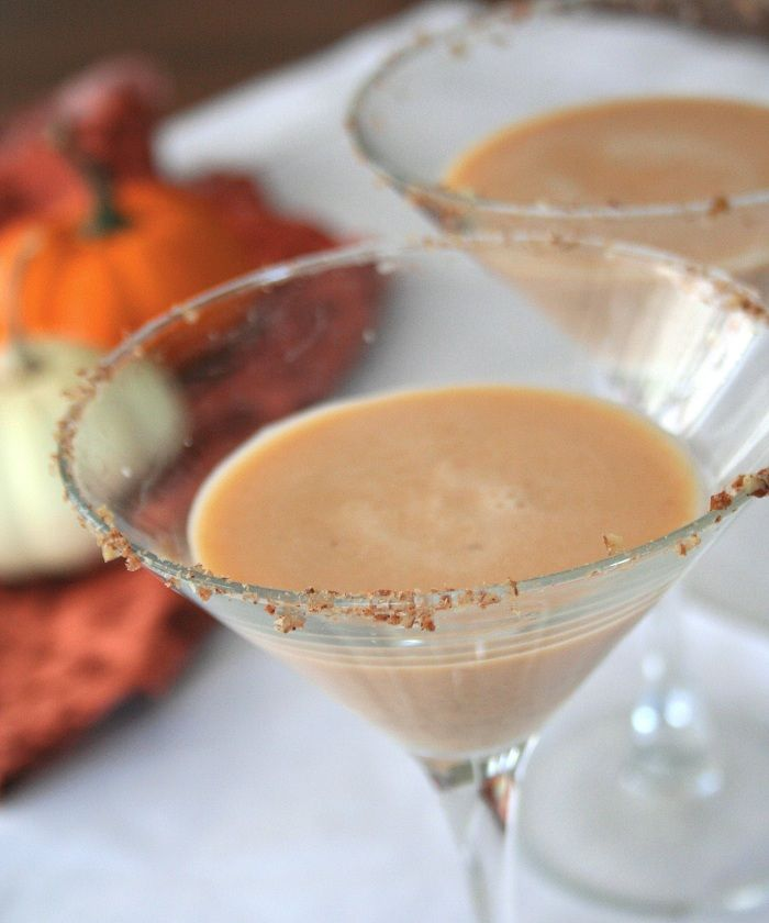 Easy Thanksgiving Cocktails: Pumpkin Pie Martini, Thanksgiving