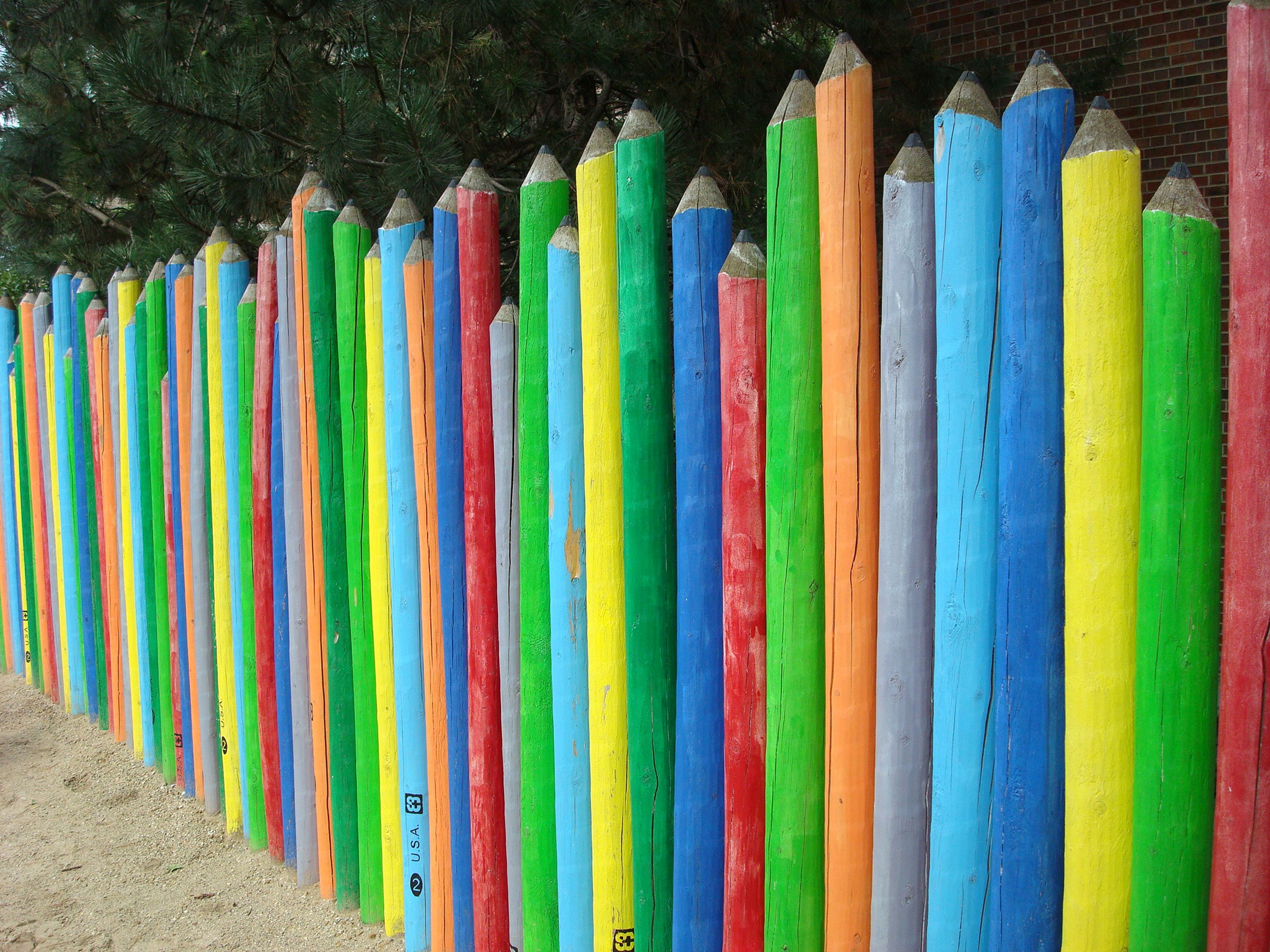 Pencil fence pre school child playlot urban garden