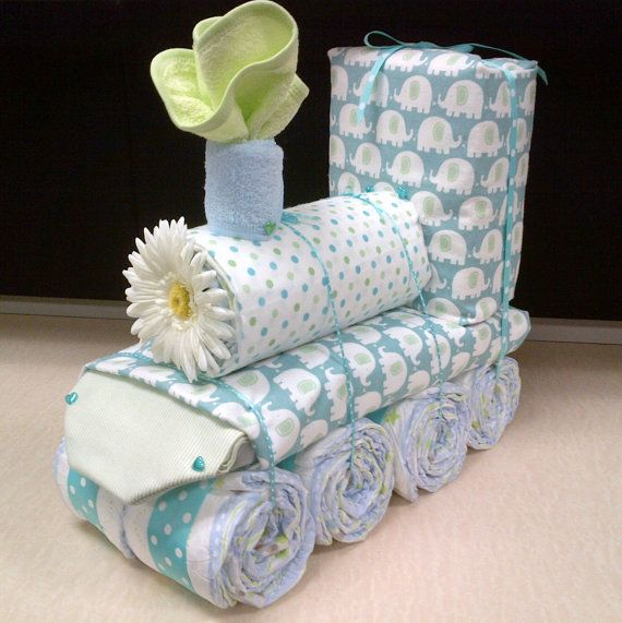 Train Diaper Cake With Images Pelenkatorta Babavaro