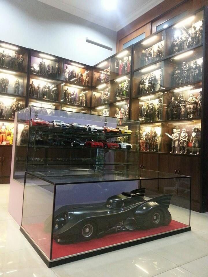 Pin By Ivan Jasper On Man Cave Displaying Collections Action Figure Display Case Geek Room