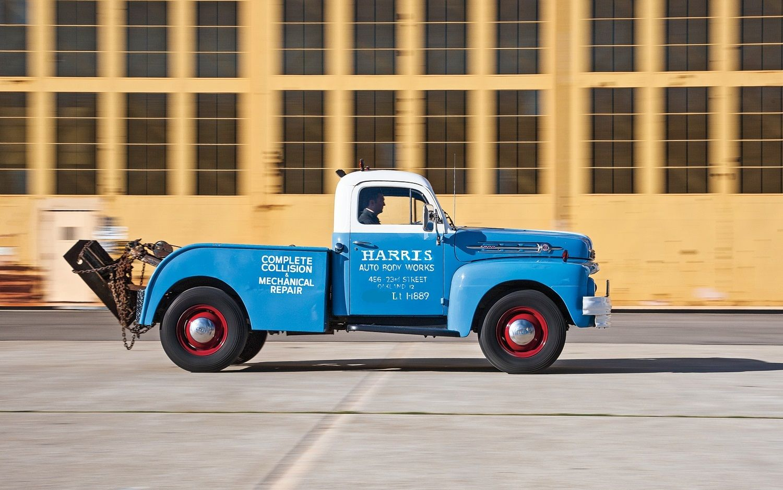 1952 F1 Or 2 Pick Up Wrecker Vintage Trucks Classic Cars Trucks Classic Trucks