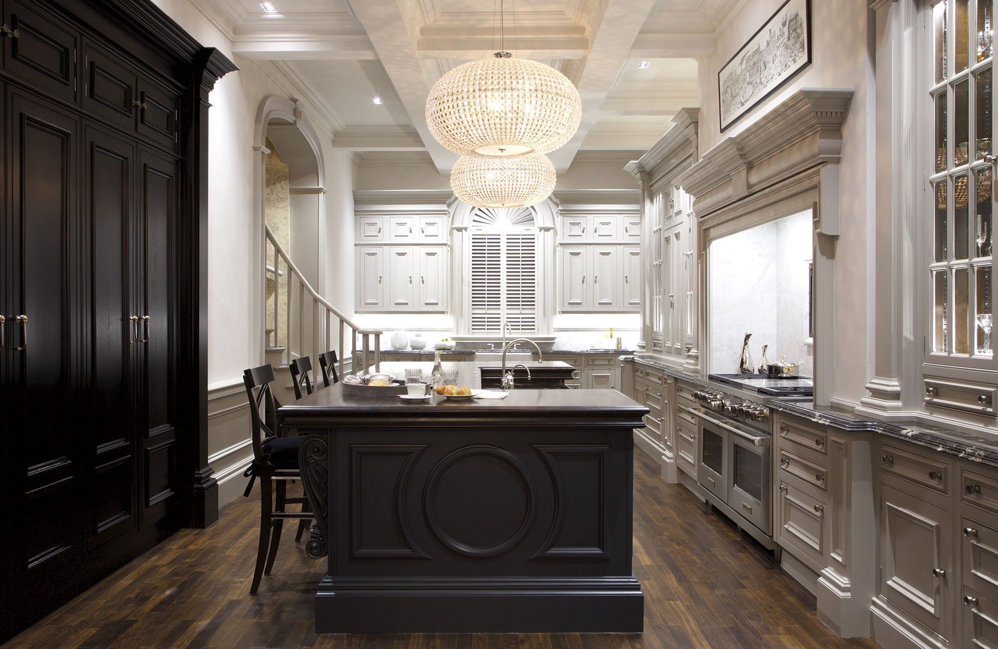 Mr Huxley S Kitchen Clive Christian Furniture Co Bespoke Luxury Interiors Clive Christian Kitchens Classic Kitchen Design Luxury Kitchen Design