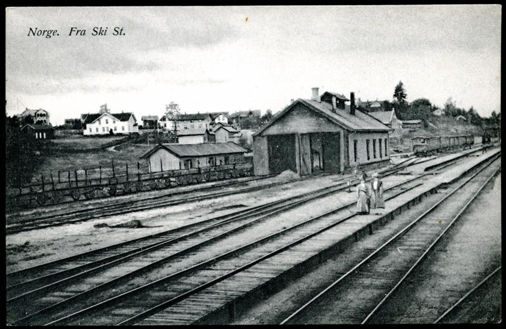 Akershus fylke Follo SKI STATION uvanlig vinkel tidlig 1900-tall Utg J.H.Küenholdt