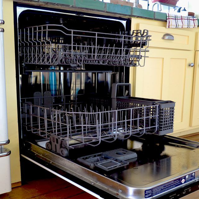 Clean Your Dishwasher With Vinegar Dishwasher Cleaner Diy Dishwasher Cleaner Cleaning Dishwasher Vinegar