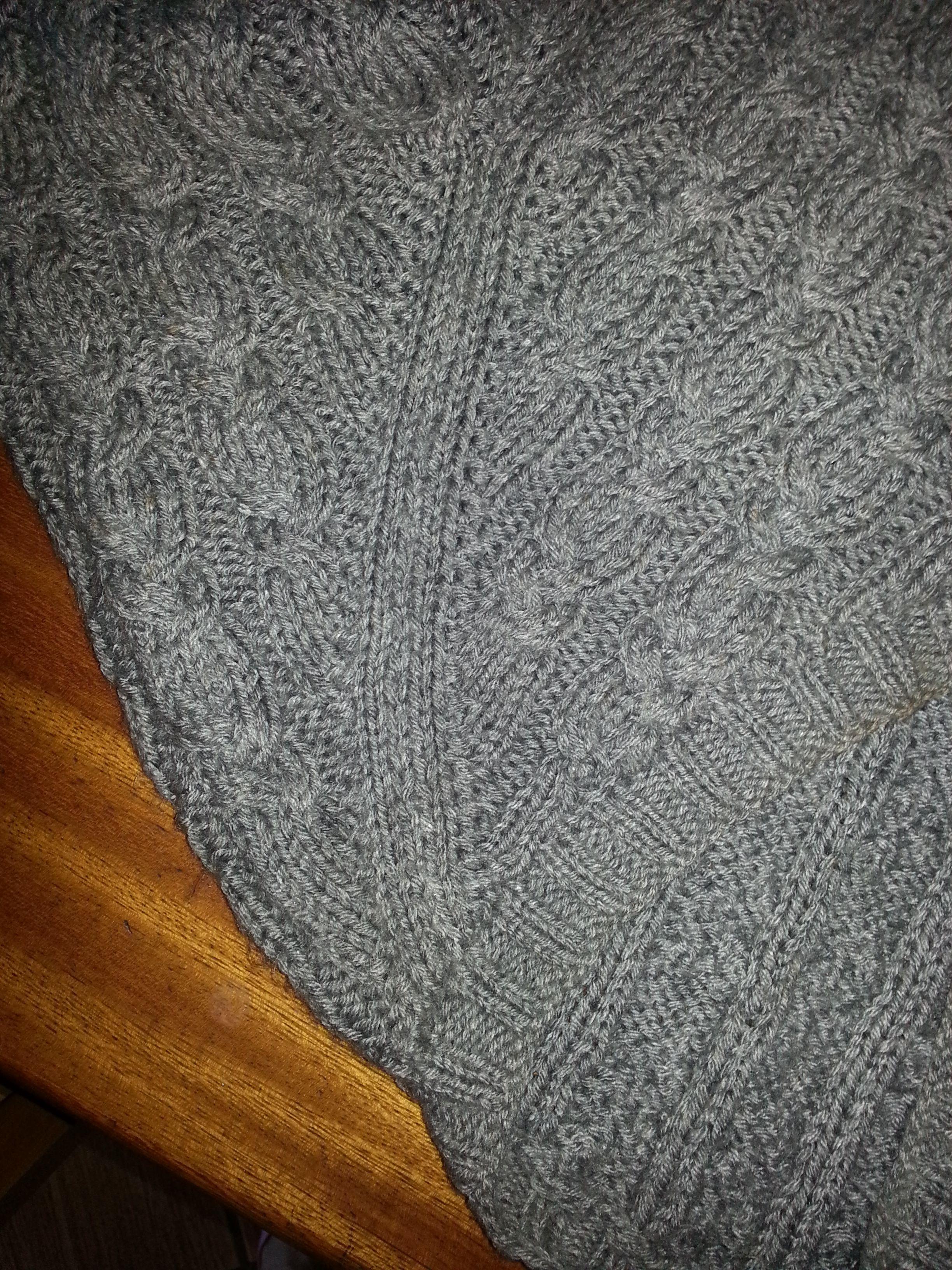 Trico trança, acabamento de manga raglan