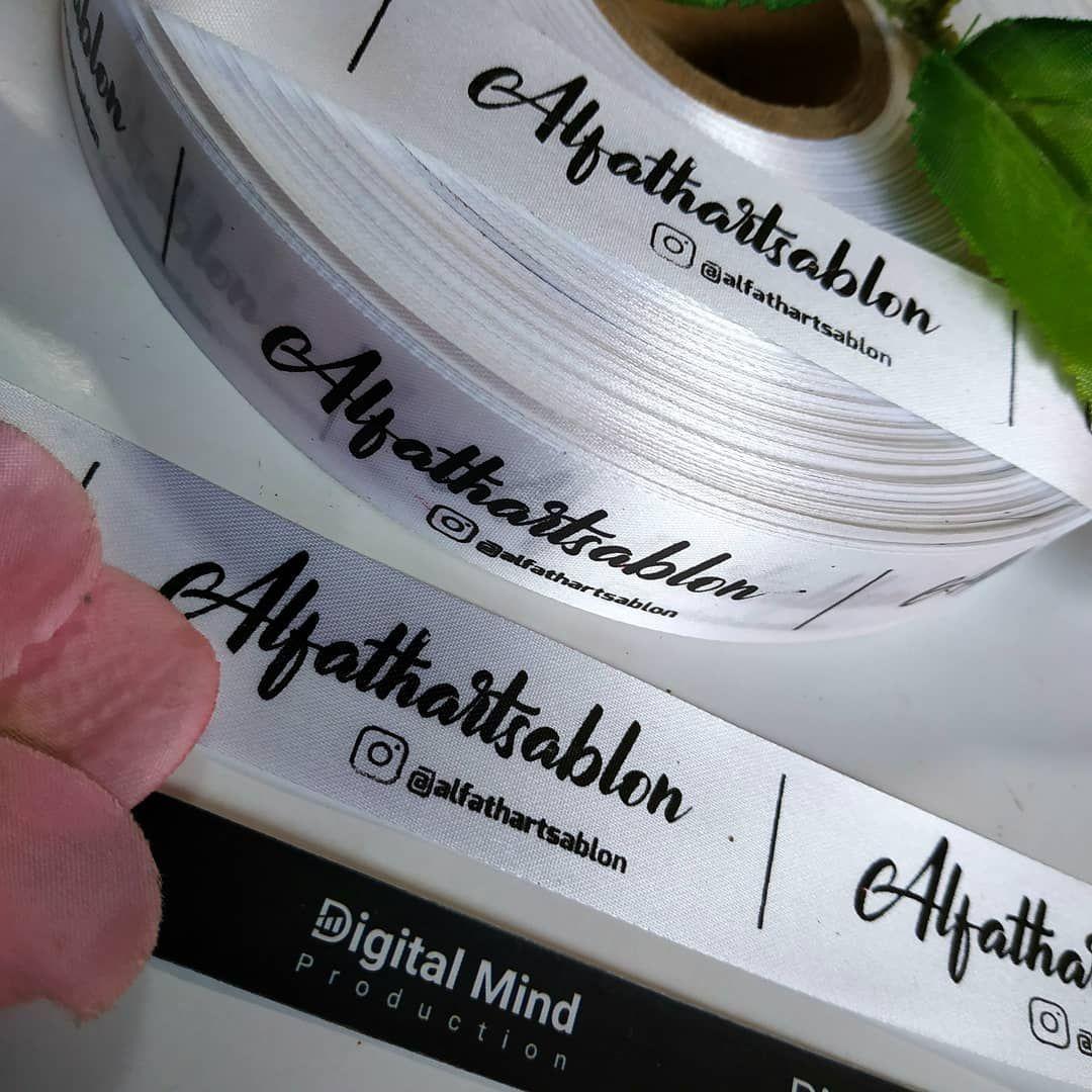 """Digital Mind di Instagram """"Label tafeta berbahan halus dan licin"""