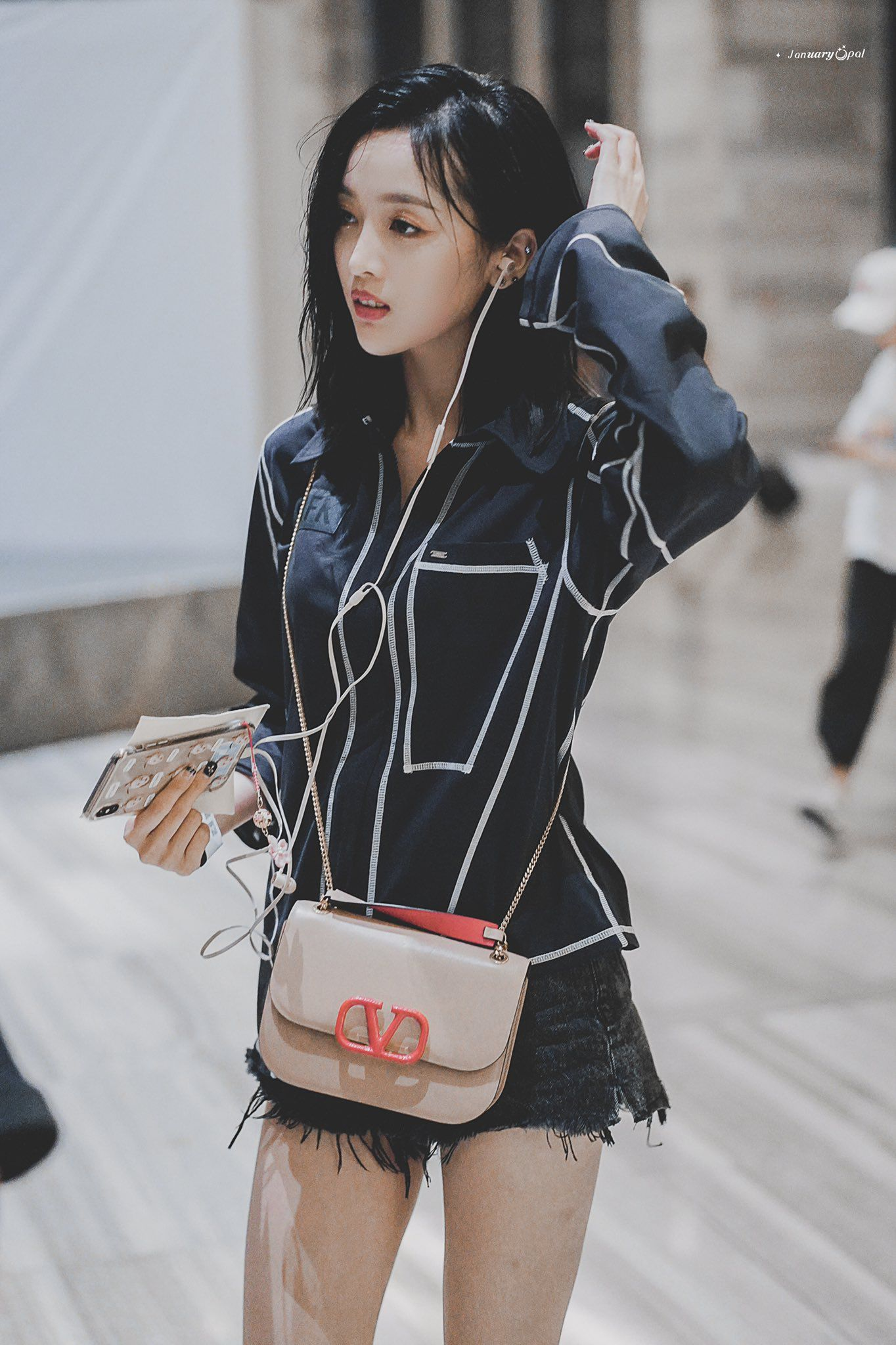 Pin by Teira Azman on WJSN - Coach dinky crossbody, Crossbody, Fashion
