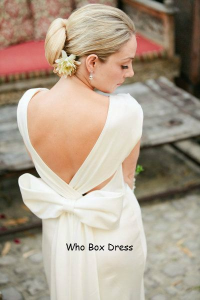 Great Way To Go Backless Without Exposing The Back Fat Bow Wedding DressesLace
