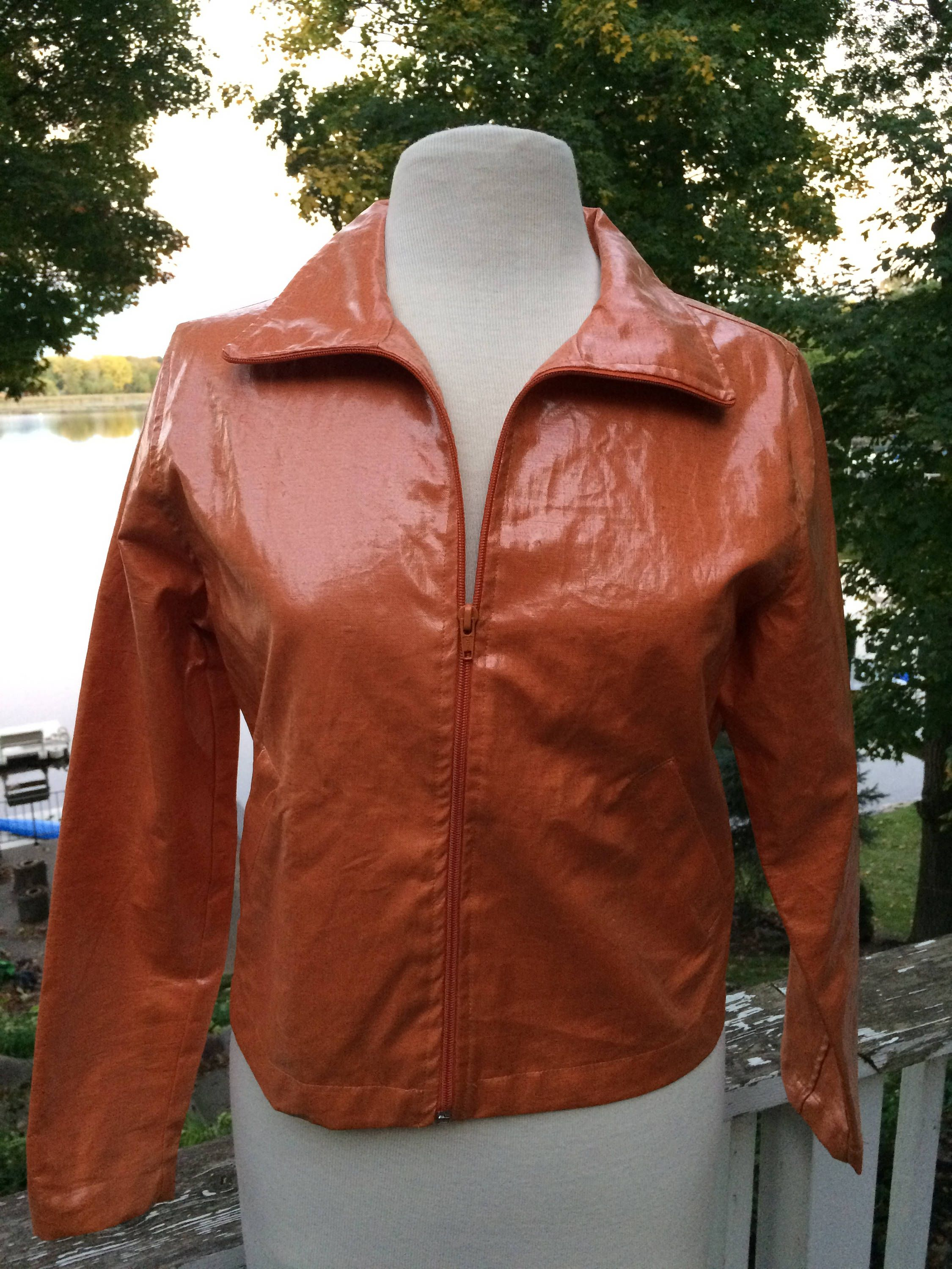 1970s Pleather Jacket Soft Tan Vinyl Snap Groovy Hipster Boho Faux Leather Wide Collar Mens Jacket Menswear Outerwear Size XL Retro Clothing kA720D