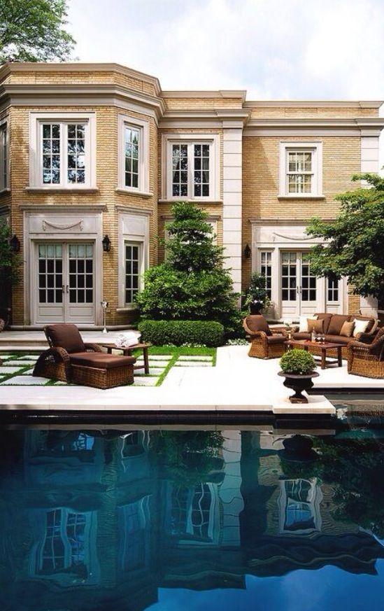 #Luxury-Homes-Estates #LuxurydotCom