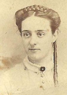 CDV PHOTO LOVELY VICTORIAN WOMAN LONG RINGLET 1867 PHIL