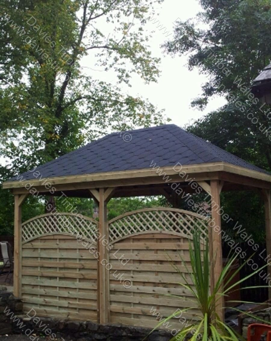 Reinas Fence Panels, Hip Roof Pergola, by Davies Timber