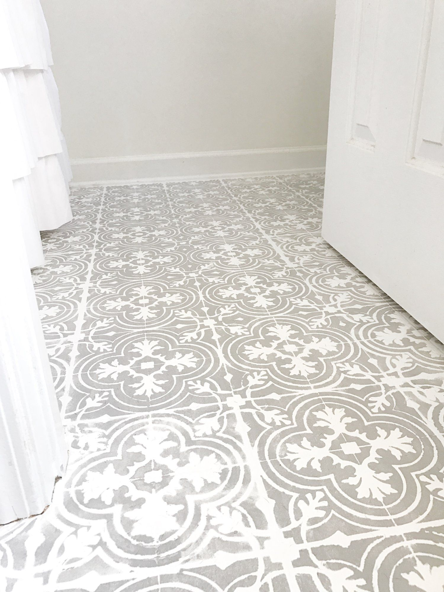 How to Paint Your Linoleum or Tile Floors to Look Like Patterned ...