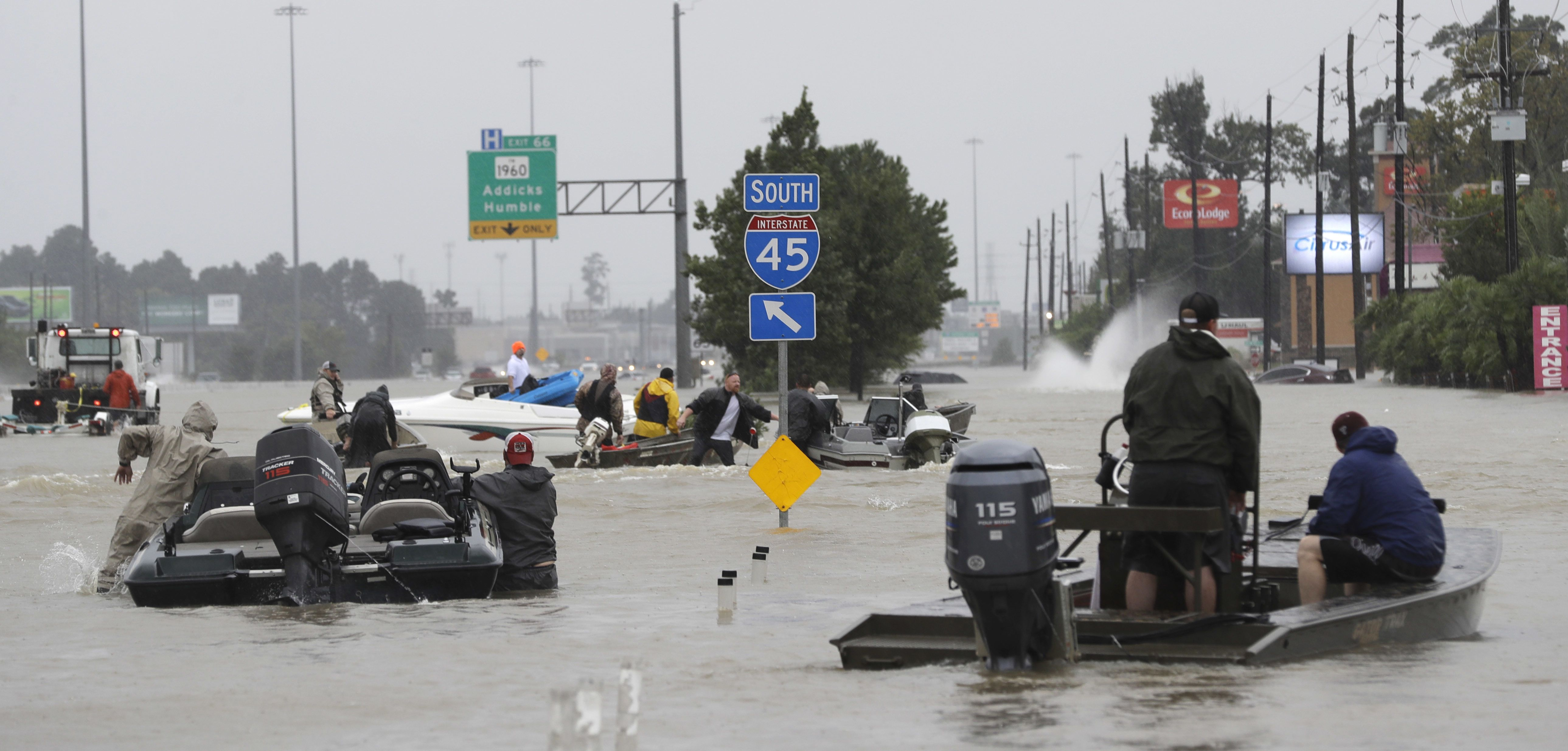 Houston S Mayor Said 1 000 People Have Been Rescued In The Last 8