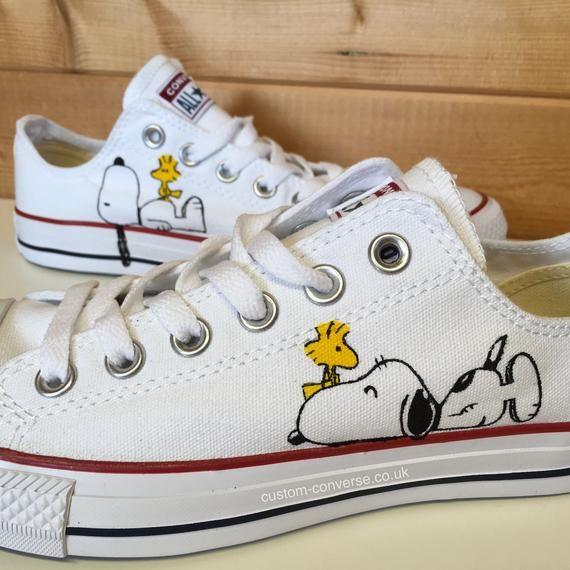 audiencia Conjugado cáscara  White Snoopy Converse Trainers | Etsy in 2020 | Painted shoes diy, Custom  shoes diy, Canvas shoes diy