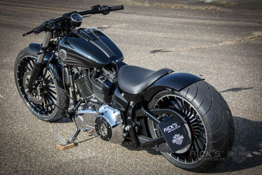 "Awesome custom bike Harley-Davidson Softail ""Breakout"" by ..."
