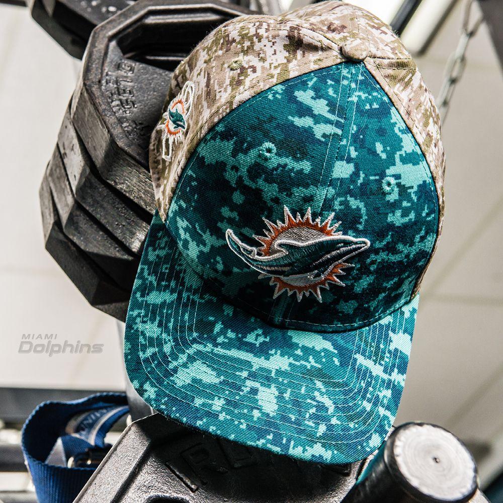 c646e2c5974 Men s New Era Camo Miami Dolphins Salute To Service On Field 39THIRTY Flex  Hat